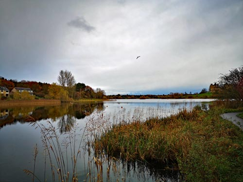 View of Linlithgow loch